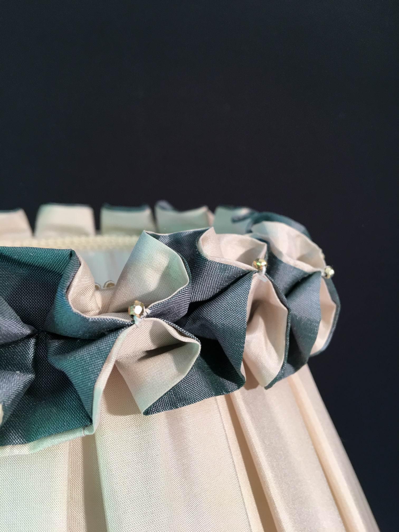 Abat-jour droit à plis creux
